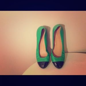 Two - Tone flats in excellent condition.